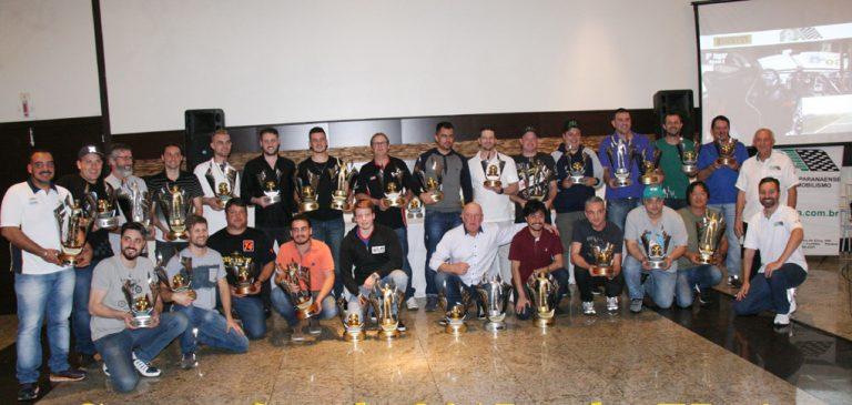 Campeões de 2017 são premiados